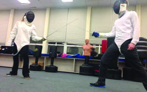SHS Students take a Stab at New Fencing Club