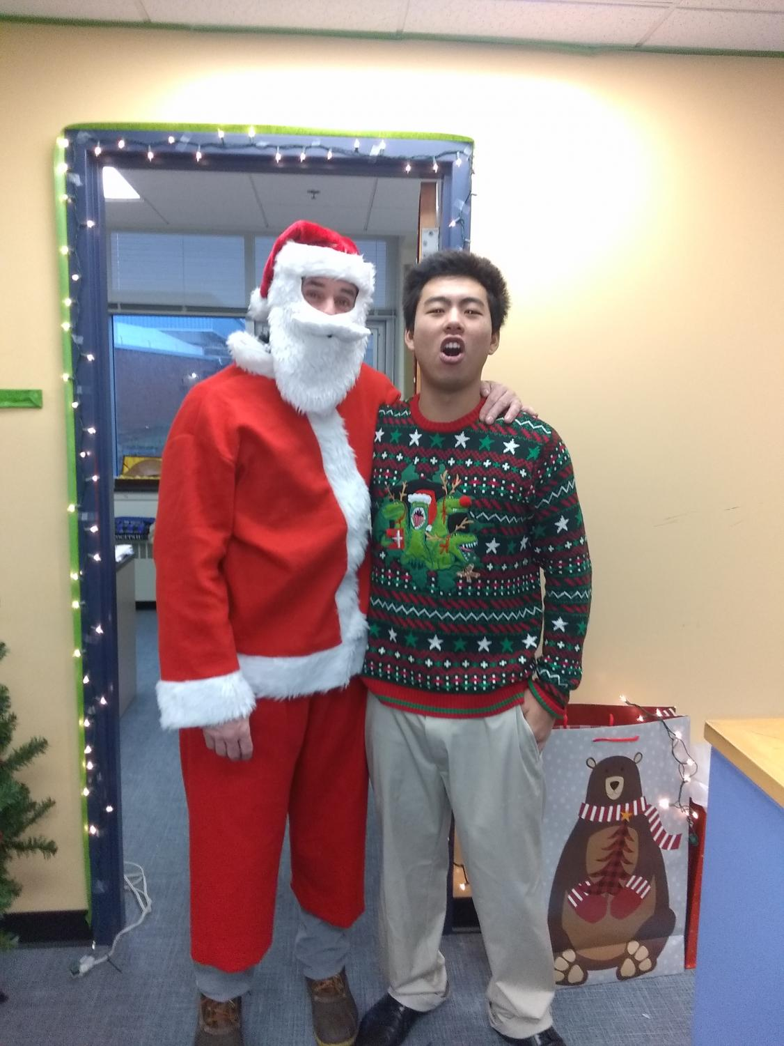 Senior Youta Adachi posed with Santa to kick off the holiday break